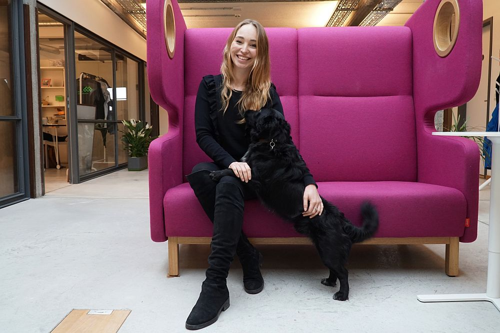 Anna Juliana Jaenner from Hashtag Daily with her dog Geriat the next media accelerator